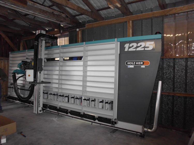 Baustoffhandel Carstensen - HPL Schichtstoffplatten auf Maß mit unserer Plattensäge